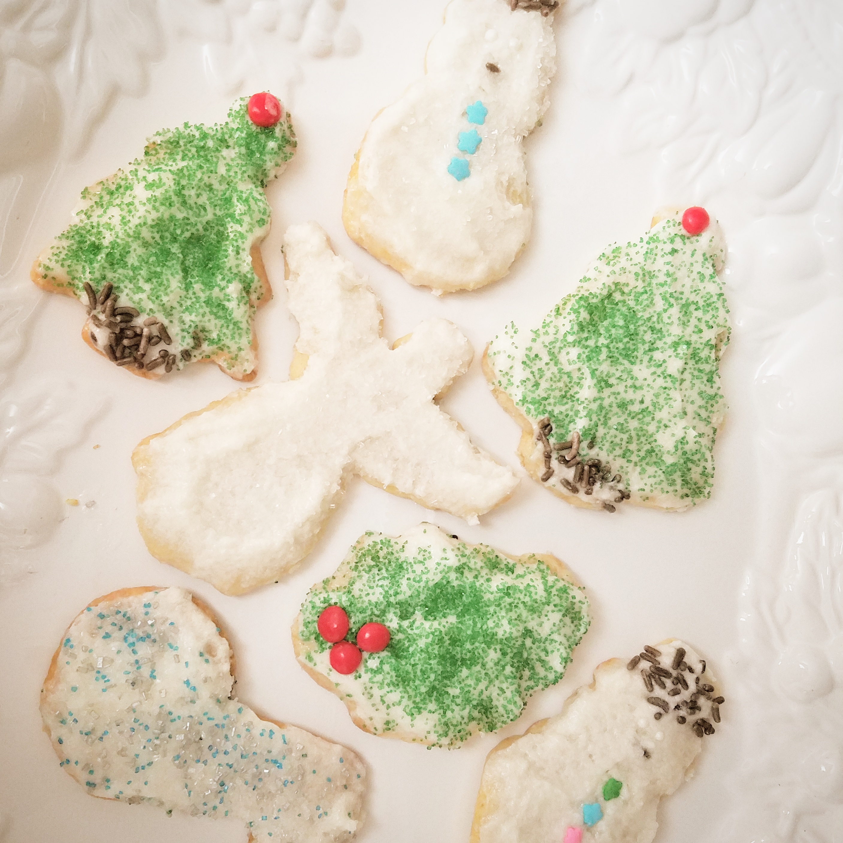 christmas-sugar-cookies-decorated